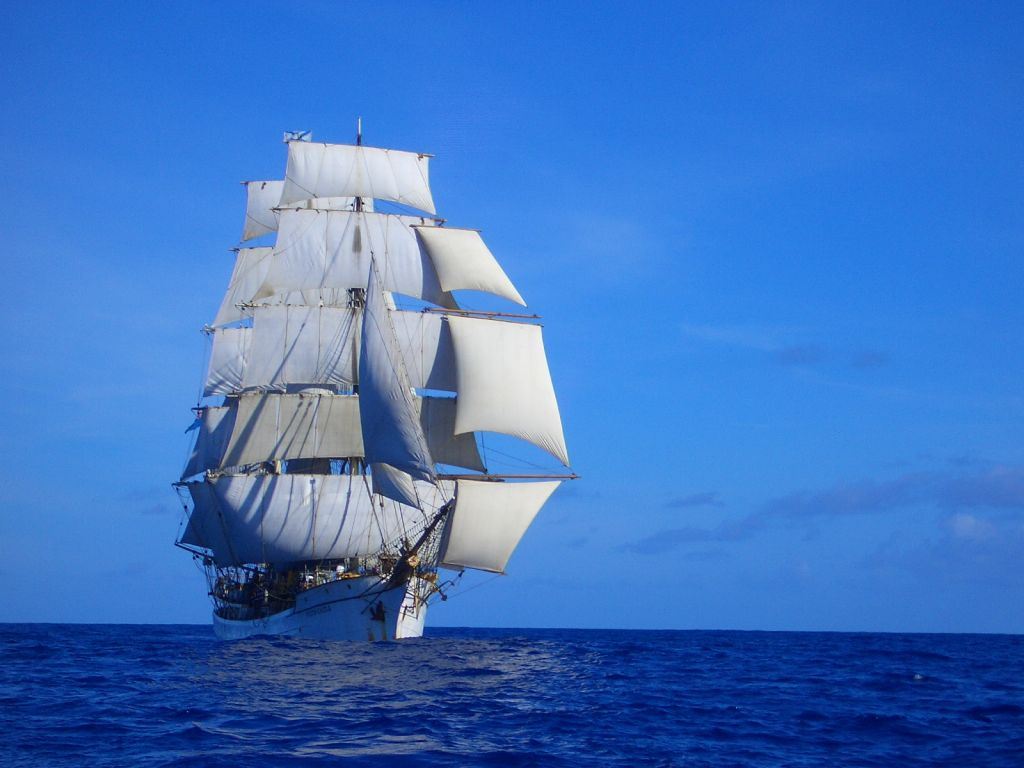under-sail-with-stunsls-on-the-way-to-bali-101